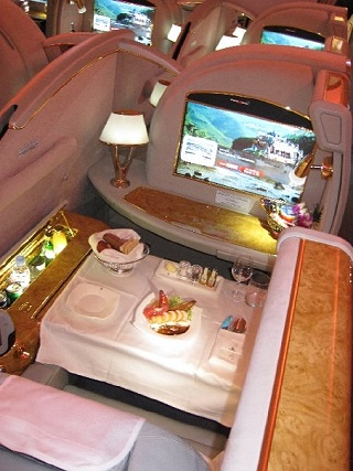Emirates A 380 -First Class Suite 2