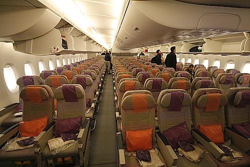 lalas reisen emirates a 380. Black Bedroom Furniture Sets. Home Design Ideas