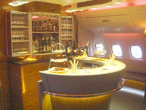 Emirates A 380  - Bar/Lounge